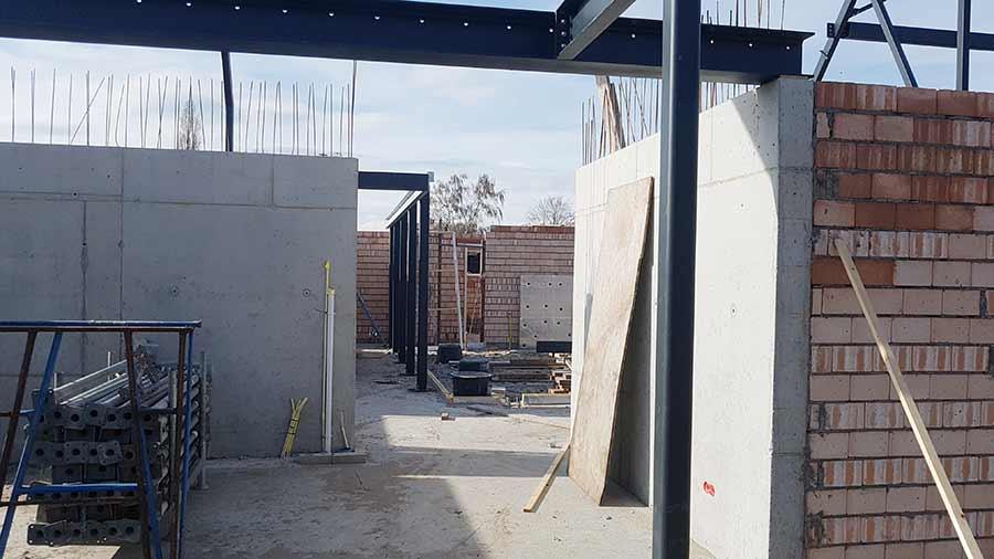 Buitenmuren tijdens de bouw van een nieuwe woning in Nuland