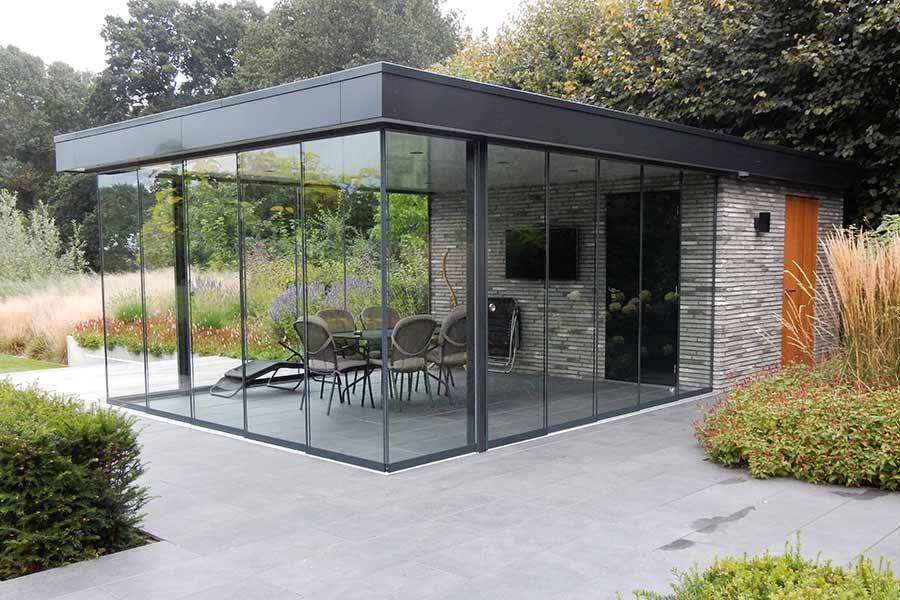 Serre van glas bij een nieuwe woning in Nuland